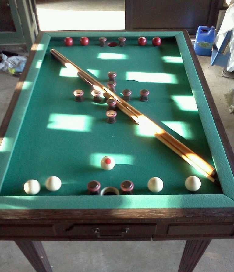 Quality Brunswick Slate top Town&Country bumper pool table