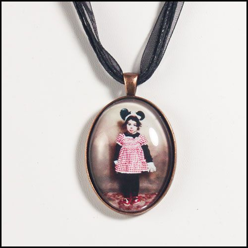 Amy Winehouse Baby Picture Pendant Cute Necklace RARE Kid Photo as