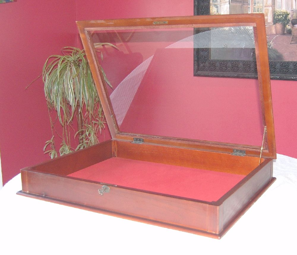 Locking Table Top Display Case Mahogany Cabinet New Dust Free Secure 4