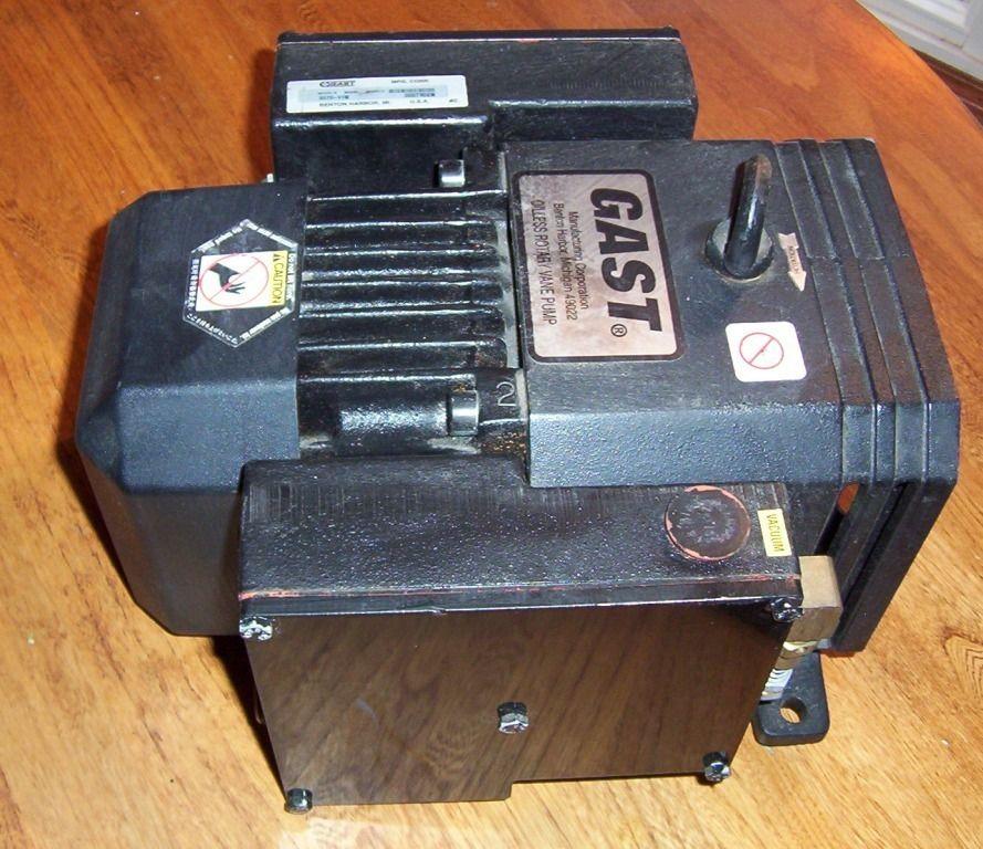 Gast 2070 Oilless Motor Mounted Rotary Vane Vacuum Pump New