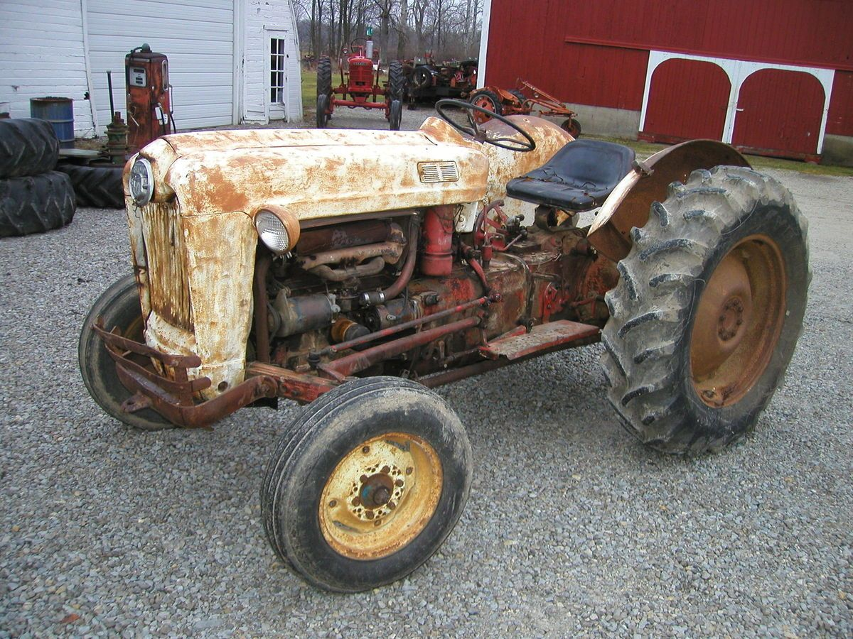 1958 Ford 860 series tractor 3pt hitch EXCELLENT tires wide