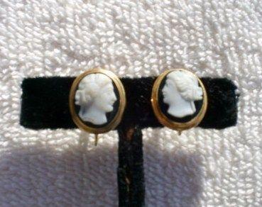 Vintage Estate BDA 10K Yellow Gold Cameo Screw Back Earrings