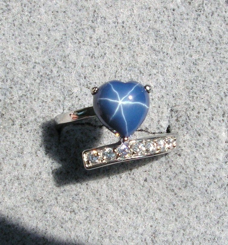 Linde Lindy Heart Cornflower Blue Star Sapphire Created Stainless