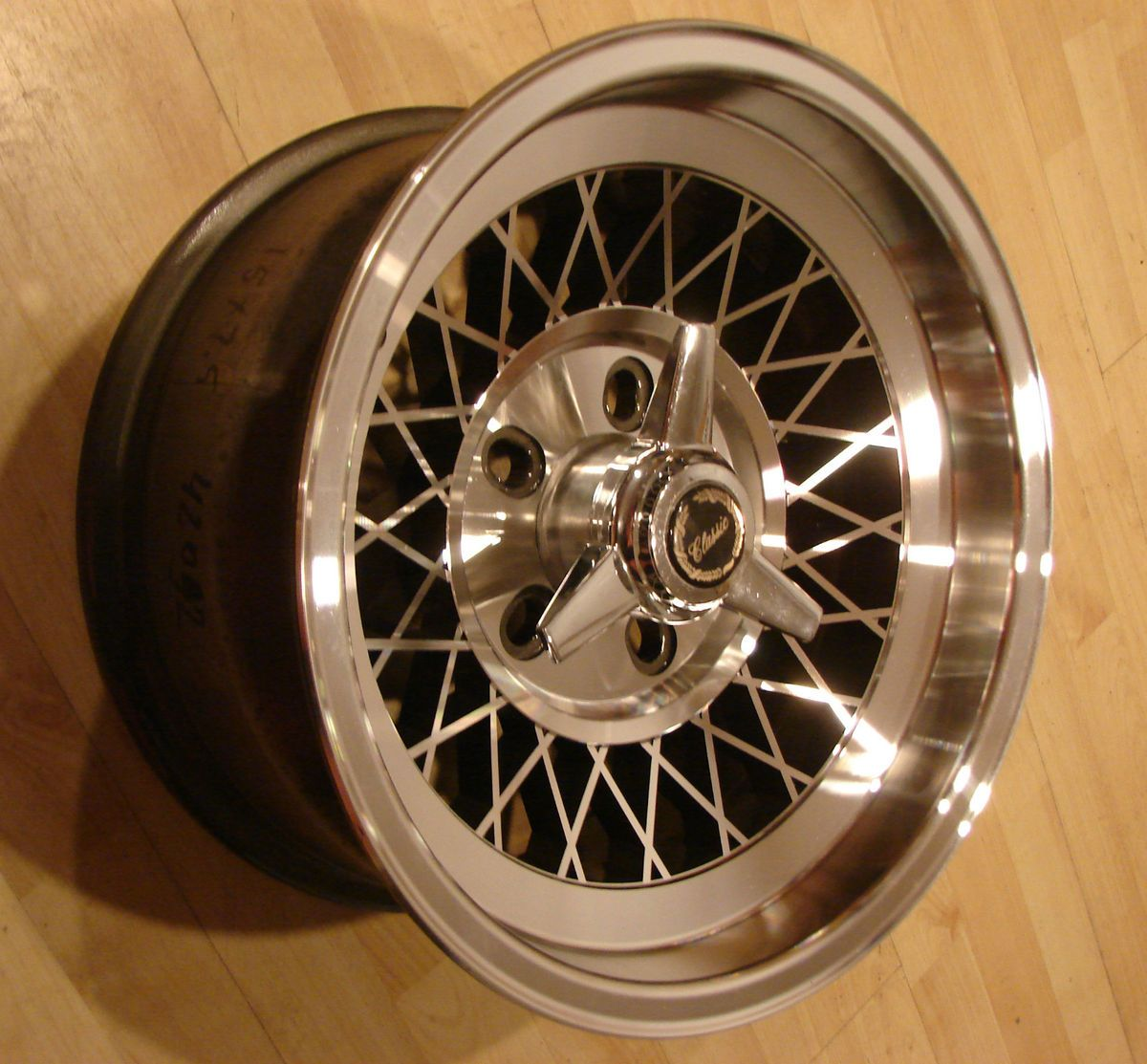 Wire 15 15 x7.5 5x5 Wheels Rims Cadillac RWD Chrome like spoke Mags